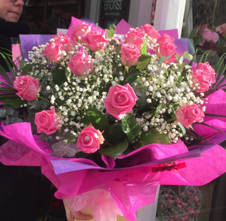 18 Pink Roses Aqua Packed Bouquet Fiona Penny At Sunflowers Florist Weymouth